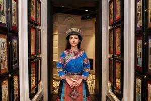 Bộ trang phục quý tộc đưa Sa Pa trở lại thời hoàng kim