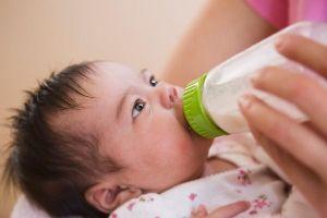 Trẻ sơ sinh bị dị ứng sữa bò: Nguyên nhân, dấu hiệu và cách phòng tránh