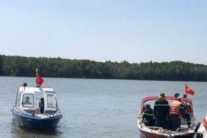 TPHCM: Tàu chìm trên sông Gò Gia, thuyền trưởng mất tích