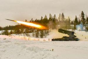 Nga-Mỹ động binh 'rằn mặt': Đối đầu khoe sức mạnh vũ khí siêu phàm?
