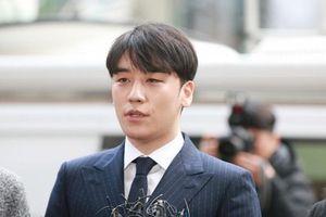Seungri phủ nhận mọi cáo buộc: 'Chỉ là tôi thích ba hoa'