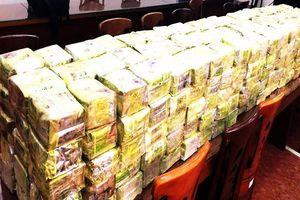 Xe bán tải đầy ắp ma túy ở Sài Gòn: Lượng ma túy cực lớn từ đâu?