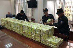 Bộ công an khám xét nhà hai đối tượng liên quan đến vụ vận chuyển ma túy khủng