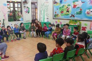 Bắc Ninh: Phụ huynh đi chợ tự lo bữa ăn bán trú cho trẻ giữa tâm bão 'sán lợn'