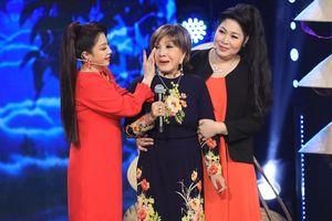 Nghệ sĩ Hồng Nga trào nước mắt trong ngày tái ngộ Khán giả truyền hình