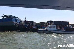 Trục vớt tàu hút bùn bị chìm ở TP.HCM để tìm thuyền trưởng mất tích