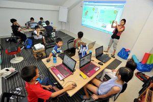 Trẻ em Việt học công nghệ chỉ để chơi