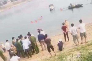Hòa Bình: Ra sông tắm, 8 học sinh đuối nước