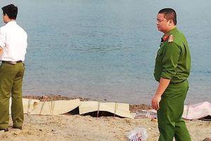 Phó Thủ tướng Vũ Đức Đam chia buồn với gia đình 8 học sinh đuối nước ở Hòa Bình