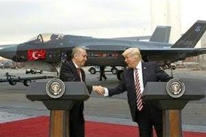 Mỹ vừa đào tạo phi công F-35 cho Thổ vừa dọa nạt