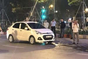 Nạn nhân bị tài xế ô tô rút dao đâm gục ở phố Hà Nội giờ ra sao?