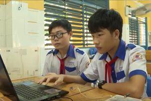 Học sinh chế tạo khóa thông minh