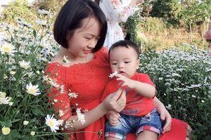 HÀNH TRÌNH ĂN DẶM chi tiết từ A đến Z của mẹ xứ Thanh giúp con ăn ngon, bụ bẫm đáng yêu vô cùng