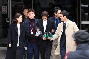 Jung Joon Young chính thức bị bắt trói, còng tay vì quay lén và phát tán clip sex