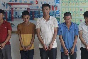 Nghệ An: Bắt 5 đối tượng trốn nã ở phía Nam về quy án