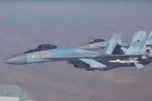 Xem tiêm kích Su-35 hộ tống Bộ trưởng Quốc phòng Nga qua vùng trời Syria