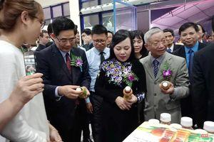 Khai mạc hội chợ dược liệu đầu tiên tại Việt Nam