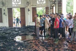 Cháy nhà thờ giáo xứ, nhiều tài sản bên trong bị thiêu rụi