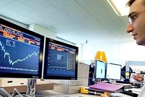 Khối ngoại đẩy mua ròng trong phiên VN-Index mất hơn 2%