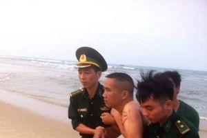 Cứu sống cặp vợ chồng bị đuối nước trên biển Nhật Lệ