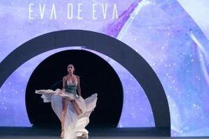 Hoa hậu Hương Giang làm vedette trong fashion show 'Colour Your Mood'