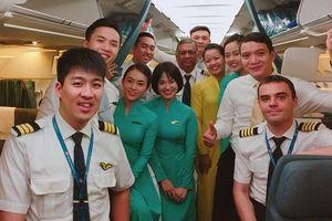 Tiếp viên Bùi Hoàng Tuấn Anh và gia đình 'chuẩn Boeing, Airbus'
