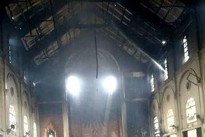 Nhà thờ ở Hà Tĩnh bốc cháy dữ dội, nhiều tài sản có giá trị bị thiêu rụi