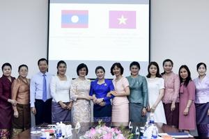 Thắt chặt hơn nữa tình cảm gắn bó giữa cán bộ ngoại giao nữ Việt – LàoThắt chặt hơn nữa tình cảm gắn bó giữa cán bộ ngoại giao nữ Việt – Lào