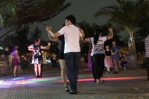 'Sàn nhảy' ở... công viên