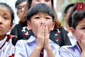 Vụ 8 học sinh đuối nước ở Hòa Bình: Không khí tang thương, nước mắt bao trùm con phố nhỏ
