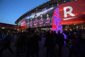 MU đáp trả hành động Barcelona tăng giá vé 'cắt cổ'