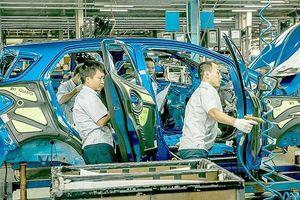 Không đổi chính sách, ô tô sản xuất trong nước sẽ 'teo dần'