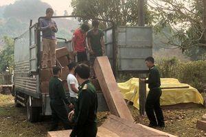 Bắt giữ liên tiếp 2 vụ vận vận chuyển trái phép gỗ từ Lào về Việt Nam