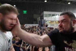 Dở khóc dở cười với cuộc thi 'bạt tai' ở Nga