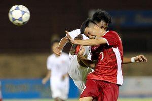 Cầu thủ Myanmar tung cước hạ gục tiền đạo U19 Việt Nam