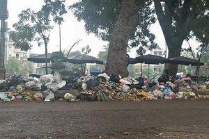 TP Phúc Yên: Tái diễn tình trạng rác thải ùn ứ ngập 'bộ mặt' đô thị