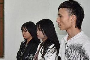 2 cô gái 10X cùng đồng bọn bị bắt khi mua ma túy về sử dụng