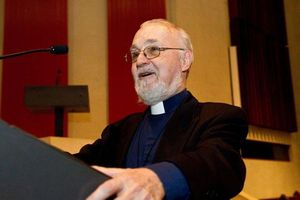 Canada: Một linh mục bị đâm ngay trong Thánh lễ