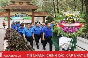 Cán bộ Đoàn tiêu biểu toàn quốc dâng hương các địa chỉ đỏ tại Hà Tĩnh