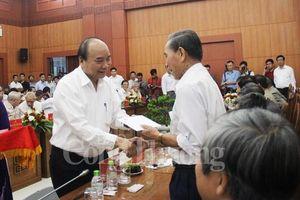 Thủ tướng Nguyễn Xuân Phúc gặp mặt các đồng chí nguyên lãnh đạo Quảng Nam, Đà Nẵng