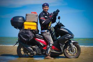 Nhiếp ảnh gia Nguyễn Việt Hùng: Đi dọc bờ biển chỉ để chụp rác