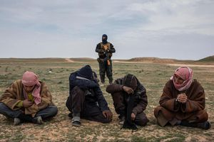Ngôi làng IS cuối cùng và sự sụp đổ của 'đế chế' một thời