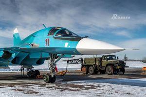 Sukhoi Su-34 mang bom gì trong ngày huấn luyện đầu năm?