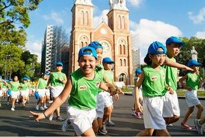 2.000 học sinh đồng diễn tại 'Ngày chạy Olympic vì sức khỏe toàn dân'