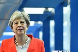 Thủ tướng Anh Theresa May đối mặt với nguy cơ bị phế truất
