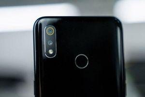 Trên tay smartphone camera kép, RAM 4 GB, pin 4.230 mAh sắp ra mắt ở Việt Nam