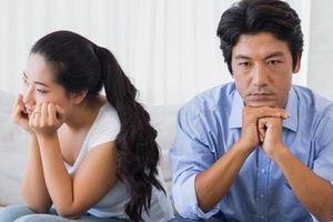 Hờ hững với vợ nhưng lại 'cuồng nhiệt' với một kẻ thứ 3 mà vợ không đánh ghen nổi