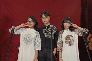 Clip: Xem ngay 'Liên khúc 3 miền' phiên bản… chuẩn Chị Bảy từ Phương Mỹ Chi - Quang Nhật (The Voice Kids)