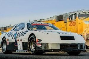 Chiếc xe đua từng xác lập kỷ lục Guinness được bán đấu giá