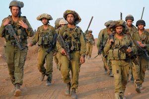 Israel tăng quân tại biên giới với Gaza, cáo buộc Hamas phóng rocket